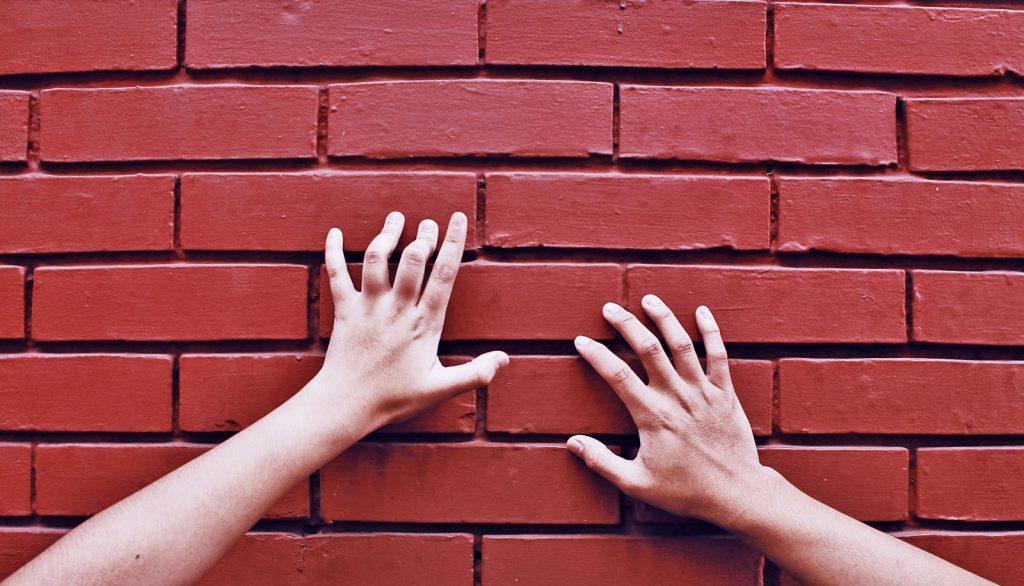 Dikkat Evinizin Duvarları Sizi İzleyebilir!
