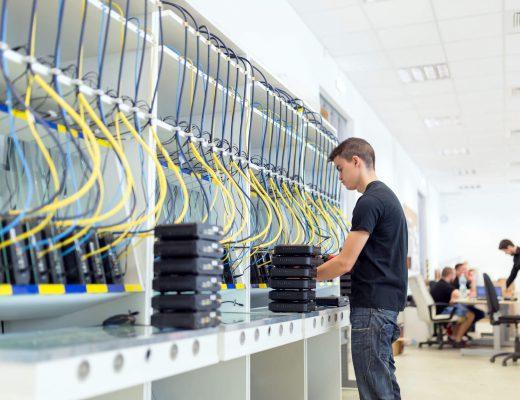 Veri Merkezi Yönetim Yazılımı Nedir